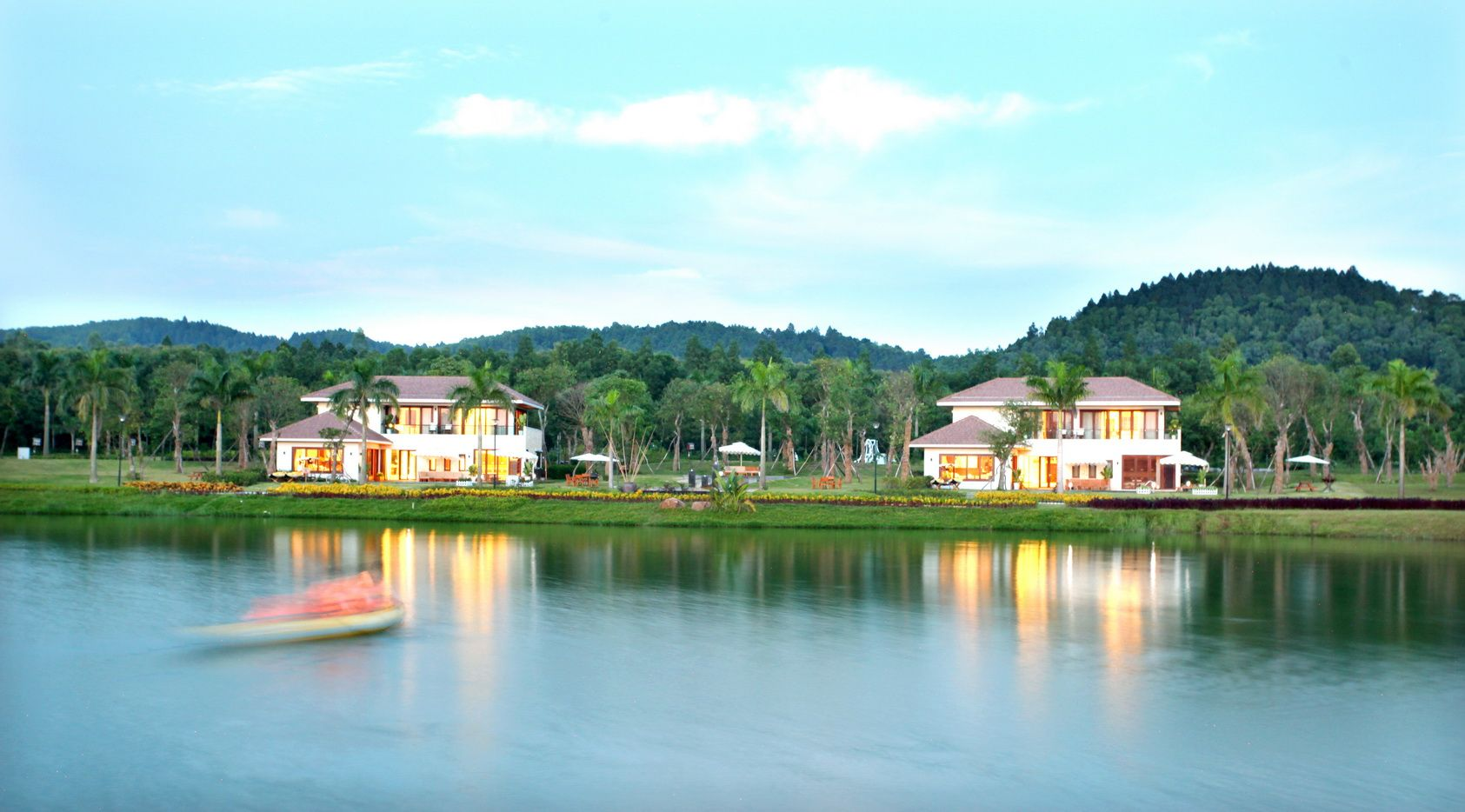 Khu du lịch sinh thái gần Hà Nội- hồ Đại Lải
