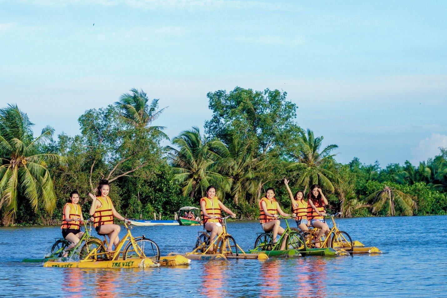 hoạt động tại Làng du lịch Tre Việt