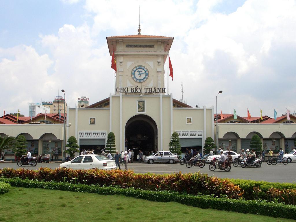 Chợ Bến Thành- danh lam thắng cảnh Sài Gòn