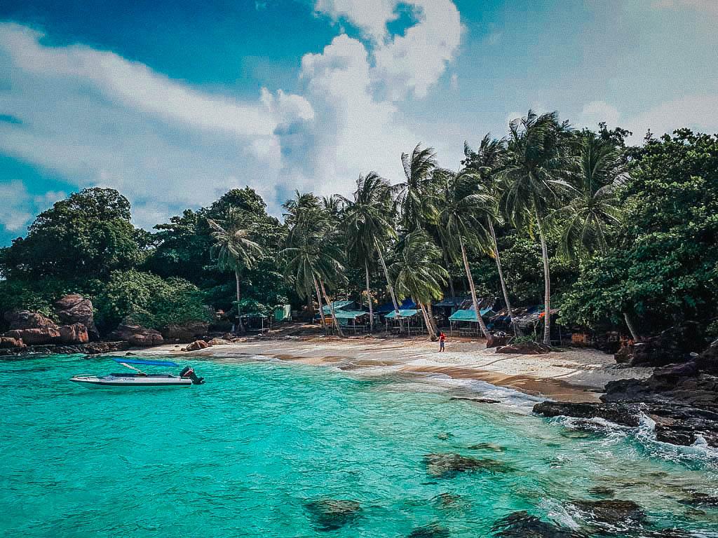 đảo phú quốc nước trong xanh mát mẻ
