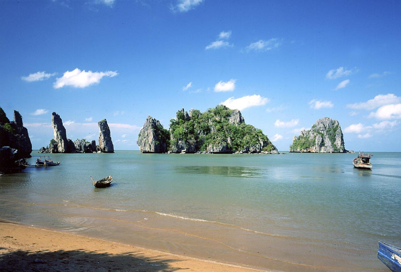 Bãi biển Mũi Nai cảnh đẹp miền Nam