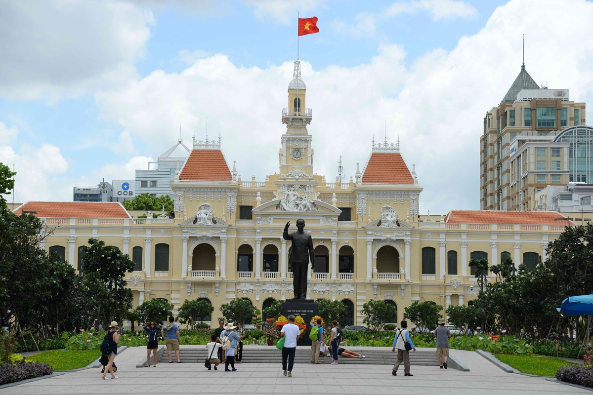 Tượng đài Hồ Chủ tịch cảnh đẹp ở TP Hồ Chí Minh