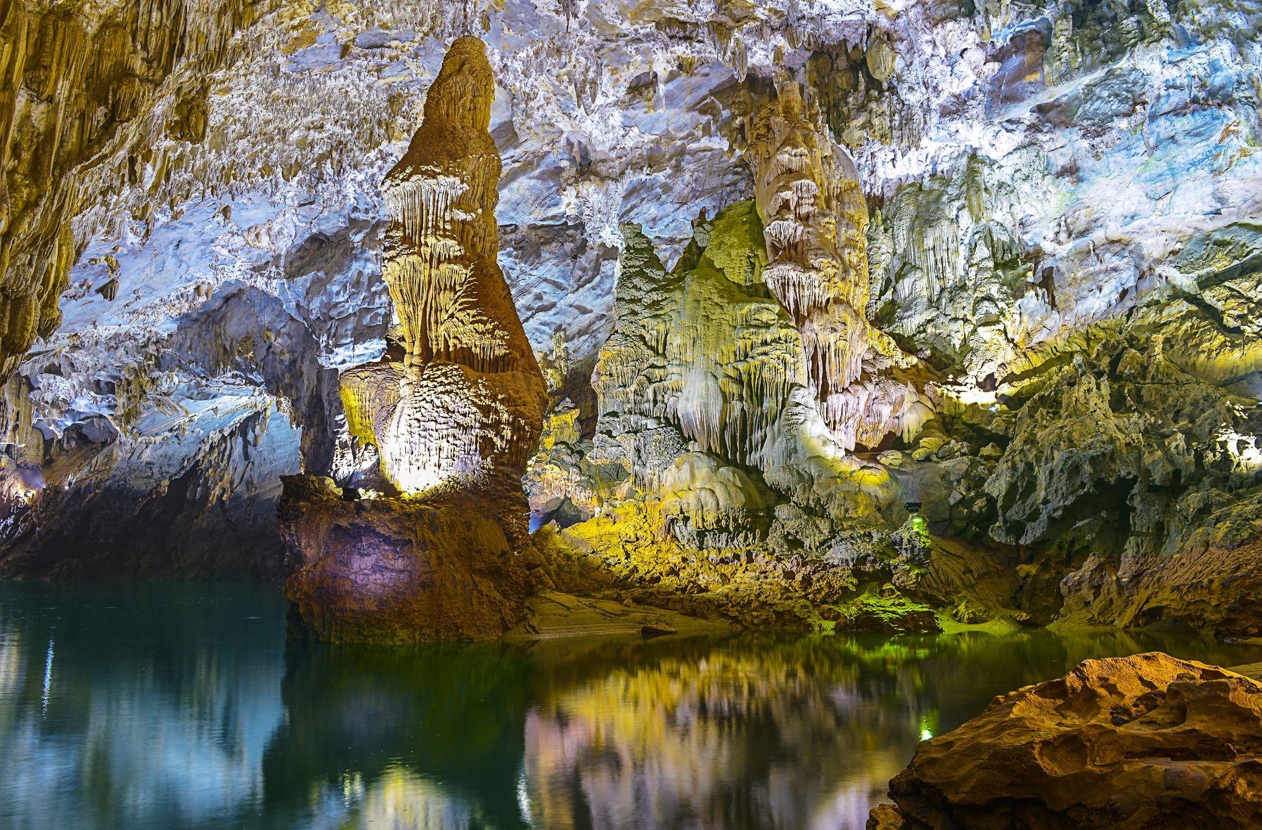 thắng cảnh việt nam trong hang động phong nha