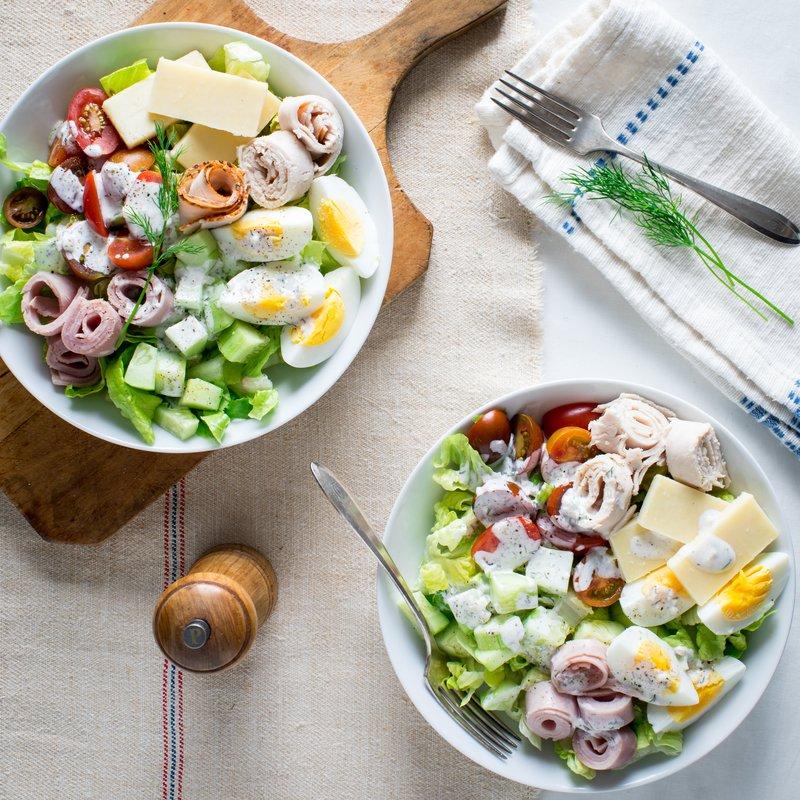 Salad với nước sốt mayonnaise