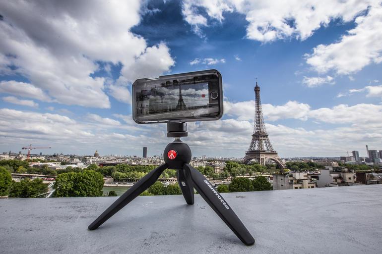 nên mua máy ảnh nào đi du lịch