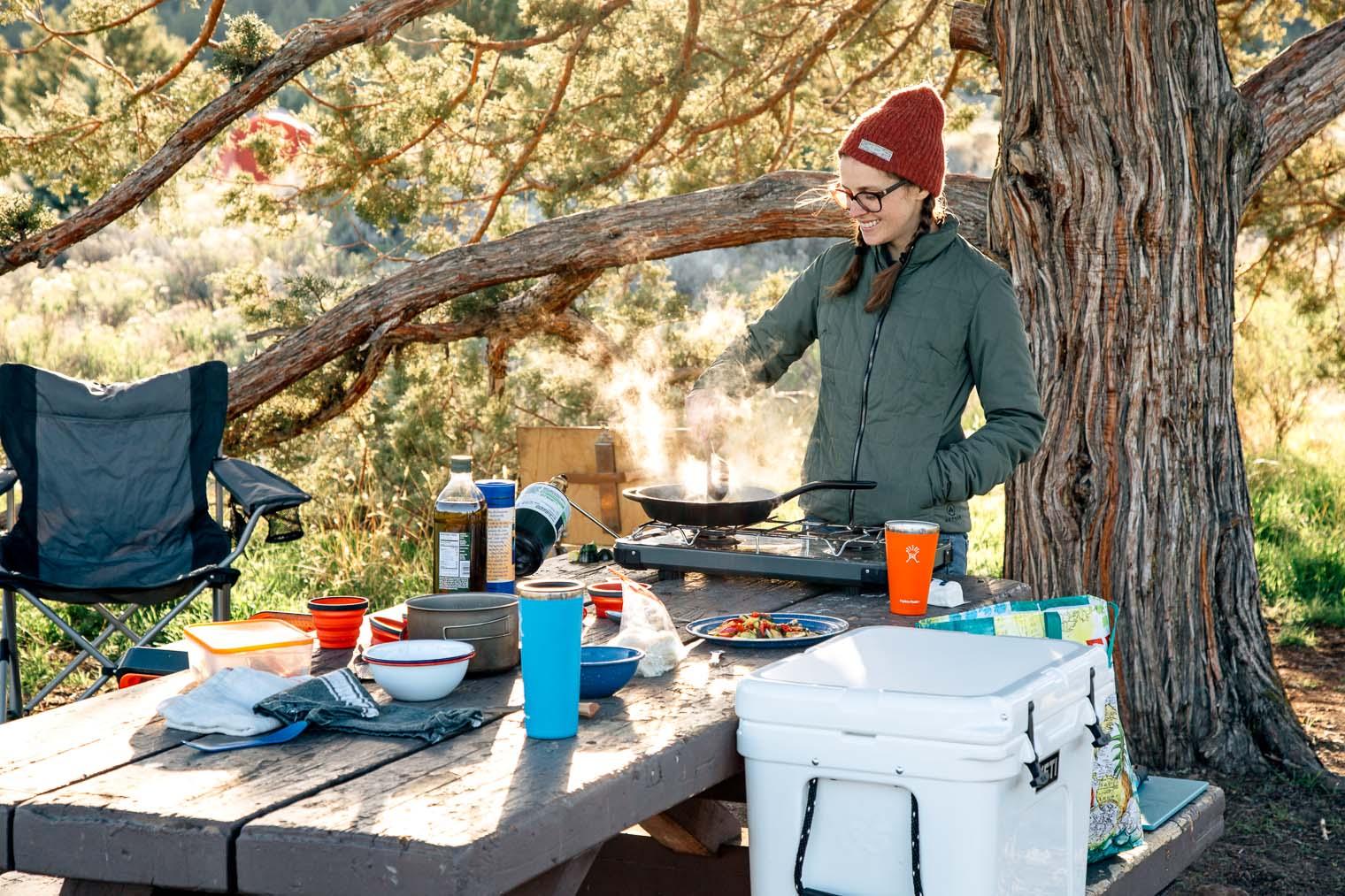 dụng cụ cắm trại